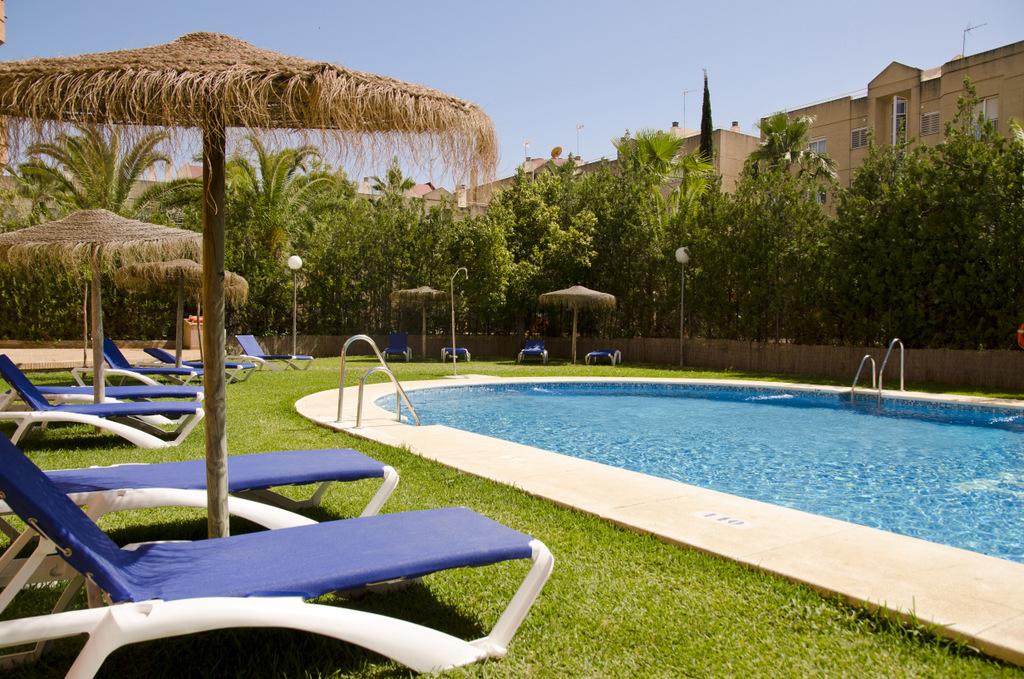 Servicios hotel trh la motilla business cultural web for Piscina 24 horas madrid